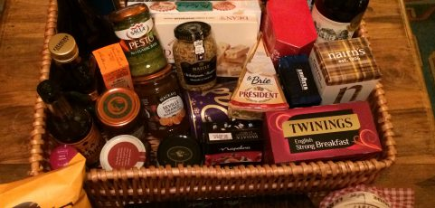Christmas Hamper – Ravenswood Plastering Customer Prize Draw (2013 – 2016)